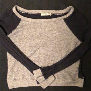 Grey/black beach long sleeve crop top